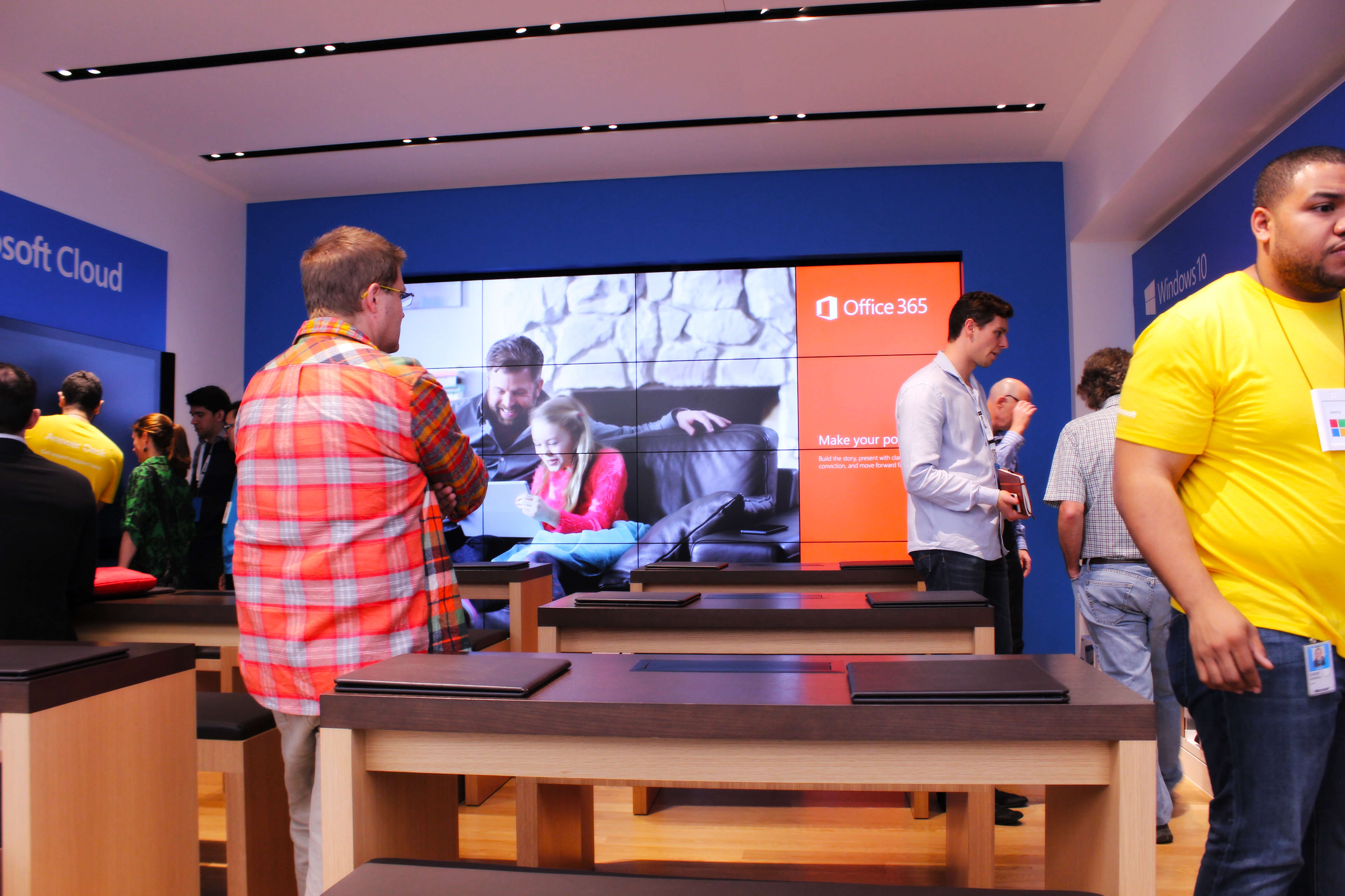 Microsoft opens flagship store in Sydney.